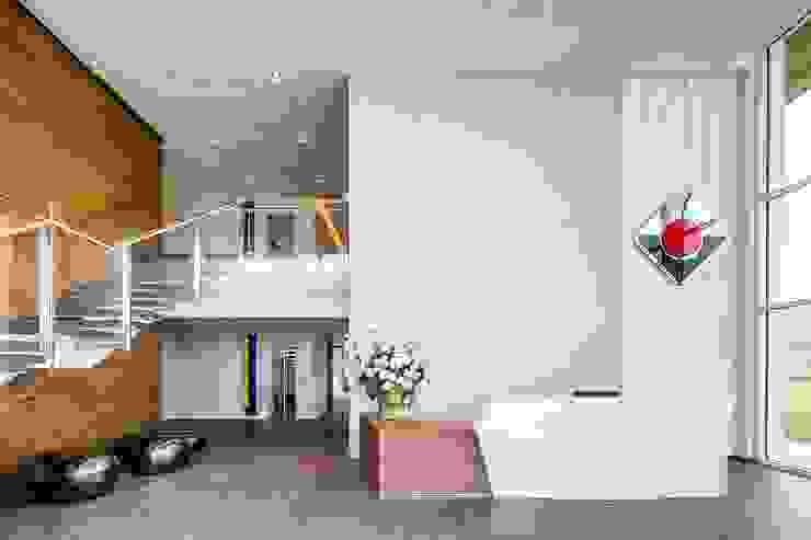 Edificios de oficinas de estilo  por Studio Simonetti , Moderno Madera Acabado en madera
