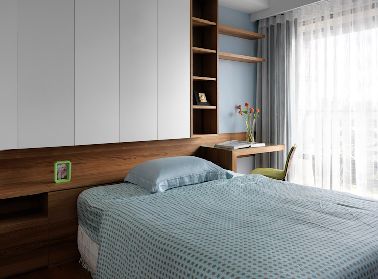 l 河岸邊邊 l:  臥室 by 賀澤室內設計 HOZO_interior_design