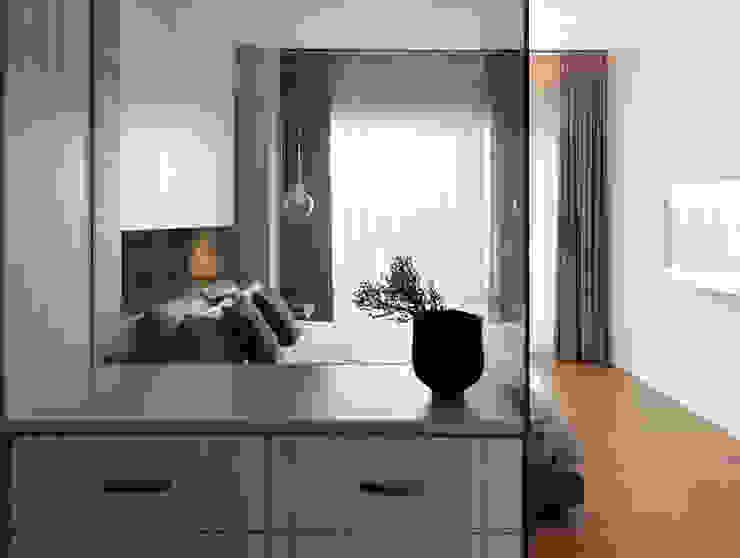 Dressing moderne par 賀澤室內設計 HOZO_interior_design Moderne