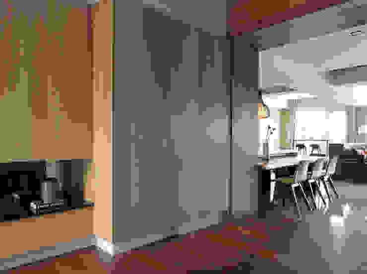 Chambre moderne par 賀澤室內設計 HOZO_interior_design Moderne