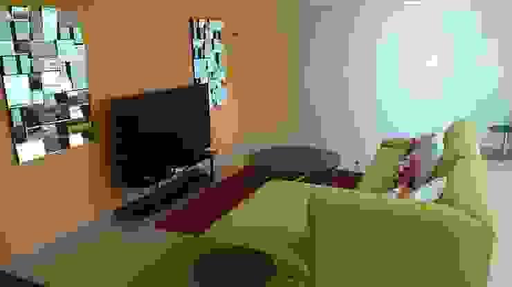 SALA DE TV de PLANTE ARCHITECTURE Moderno Textil Ámbar/Dorado