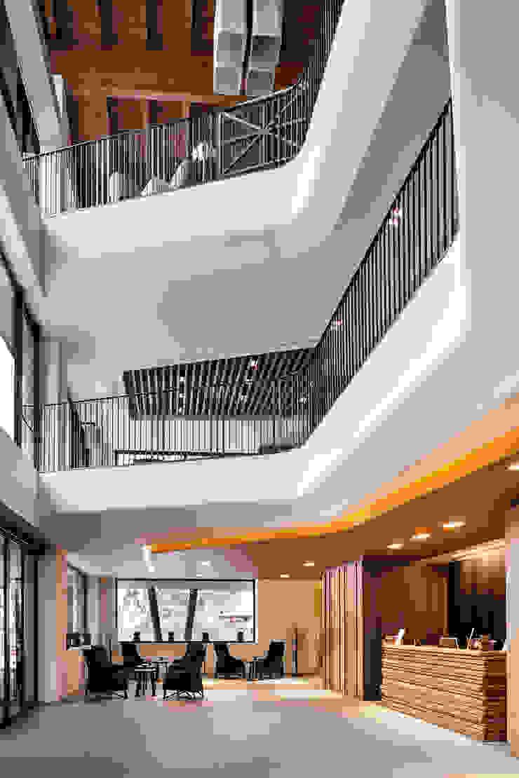 Grand Hotel Courmayeur Mont Blanc, Courmayeur Modern hotels by Studio Simonetti Modern