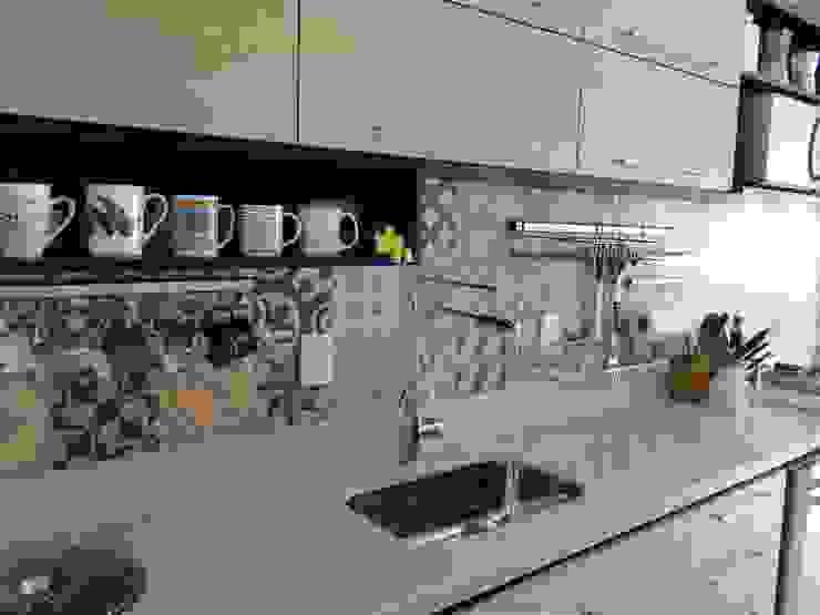 Cozinha do Apartamento Mariz e Barros Cozinhas modernas por homify Moderno