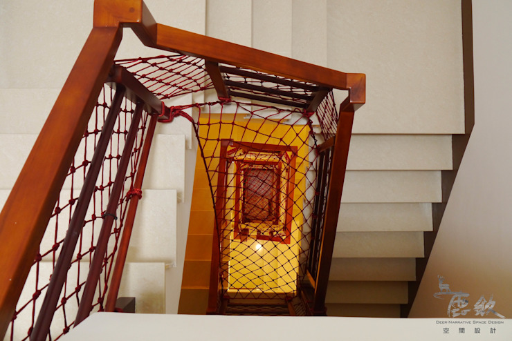 Pasillos, vestíbulos y escaleras de estilo escandinavo de 鹿敘空間設計 Escandinavo
