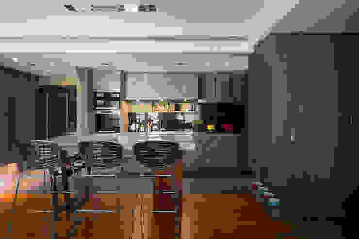開放式廚房 根據 藻雅室內設計 現代風