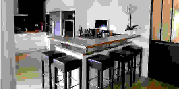 Maison M.F Ophélie Dohy architecte d'intérieur Cuisine moderne Bois Blanc