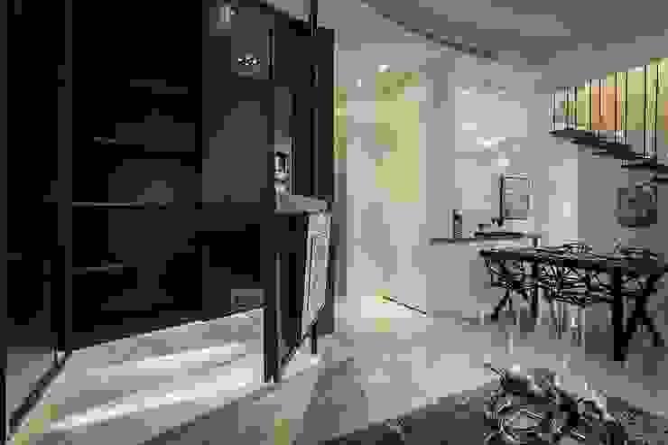 旋轉電視架 Modern Living Room by 你你空間設計 Modern
