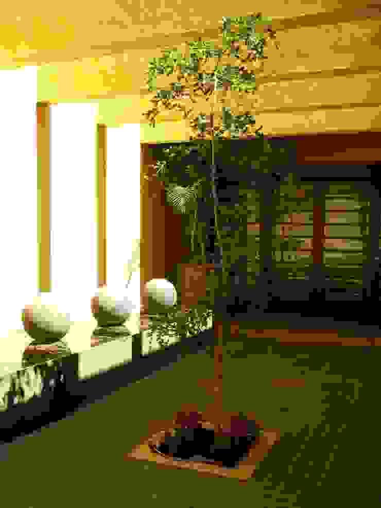 Casa SeV Pasillos, vestíbulos y escaleras modernos de Arq German Tirado S Moderno