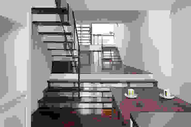 南田辺の家 / House in Minami-tanabe 藤原・室 建築設計事務所 モダンデザインの ダイニング