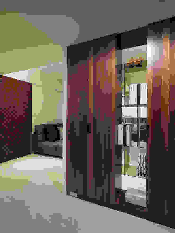 神設計!29坪4房2廳暢快人生 現代風玄關、走廊與階梯 根據 大集國際室內裝修設計工程有限公司 現代風