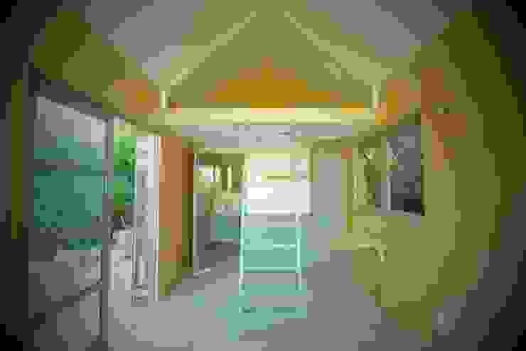 Greenpods Living roomCupboards & sideboards Gỗ Wood effect