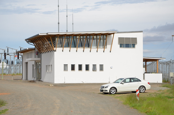 approach elevation by Till Manecke:Architect Modern