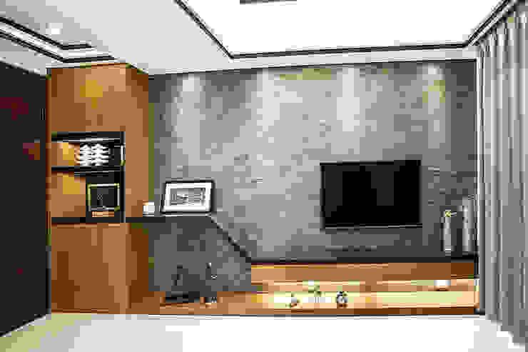 侑信仁和 9A 现代客厅設計點子、靈感 & 圖片 根據 栩 室內設計 現代風