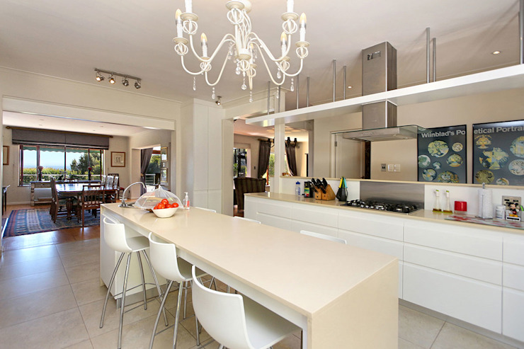 kitchen table by Till Manecke:Architect Eclectic