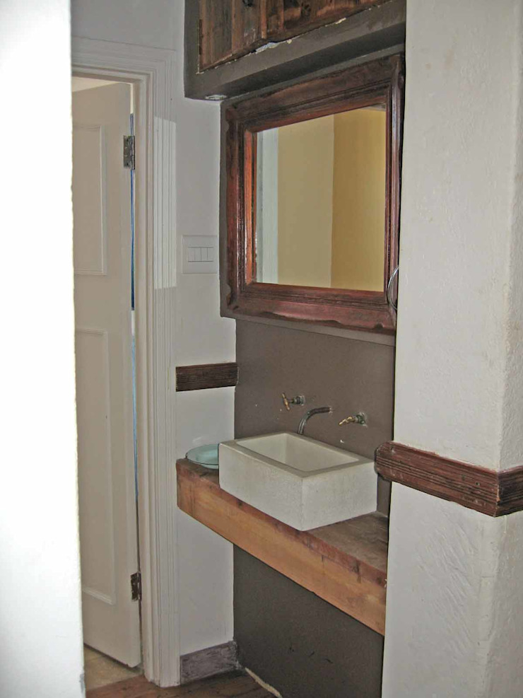 bathroom Till Manecke:Architect Eclectic style bathroom