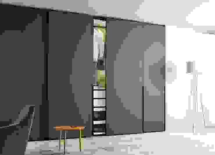 GHOST HINGED DOOR WARDROBES de IQ Furniture Moderno