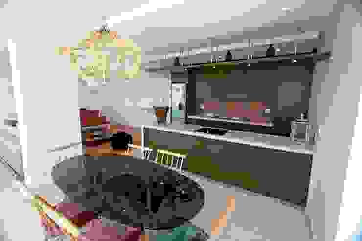 open plan living Till Manecke:Architect Kitchen