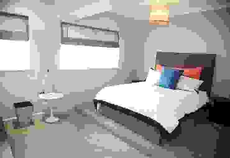 bedroom en suite Till Manecke:Architect Eclectic style bedroom