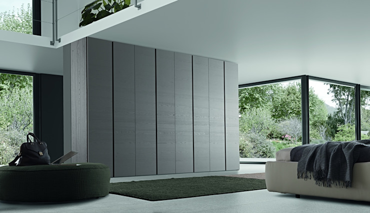 TWIN HINGED DOOR WARDROBE de IQ Furniture Moderno