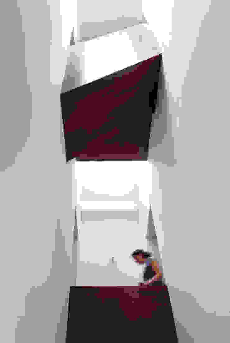 Loenen J4 Moderne gangen, hallen & trappenhuizen van VHS Architecten Modern