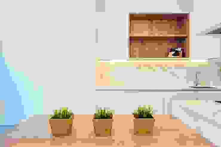 CASA FRANCESC D'ASSÍS Cocinas de estilo mediterráneo de Lara Pujol | Interiorismo & Proyectos de diseño Mediterráneo