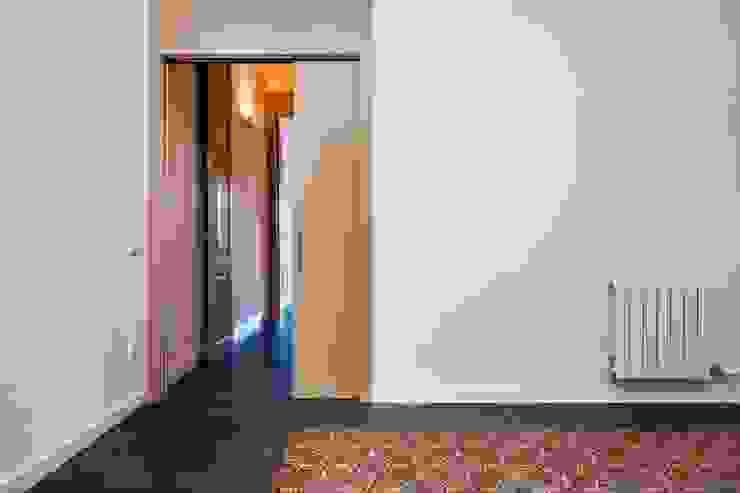 CASA FRANCESC D'ASSÍS Puertas y ventanas de estilo mediterráneo de Lara Pujol | Interiorismo & Proyectos de diseño Mediterráneo