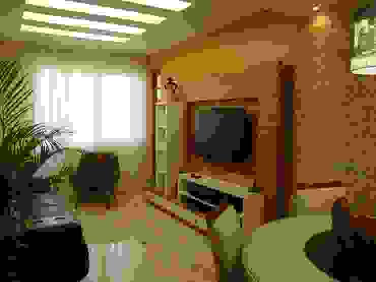 Sala de Estar Debiaze Arquitetura Salas de estar modernas Madeira Amarelo