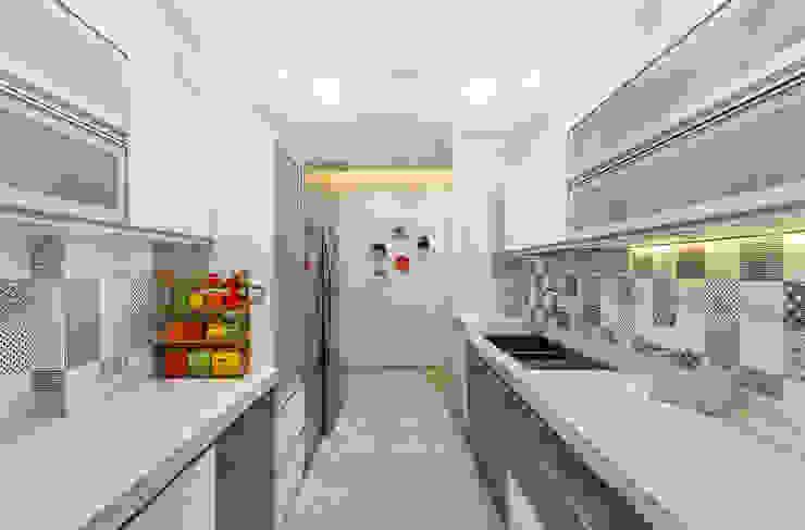 The design house Cocinas de estilo moderno Azulejos Blanco