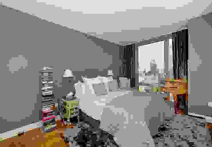 Dormitorios de estilo  por KBR Design and Build, Minimalista