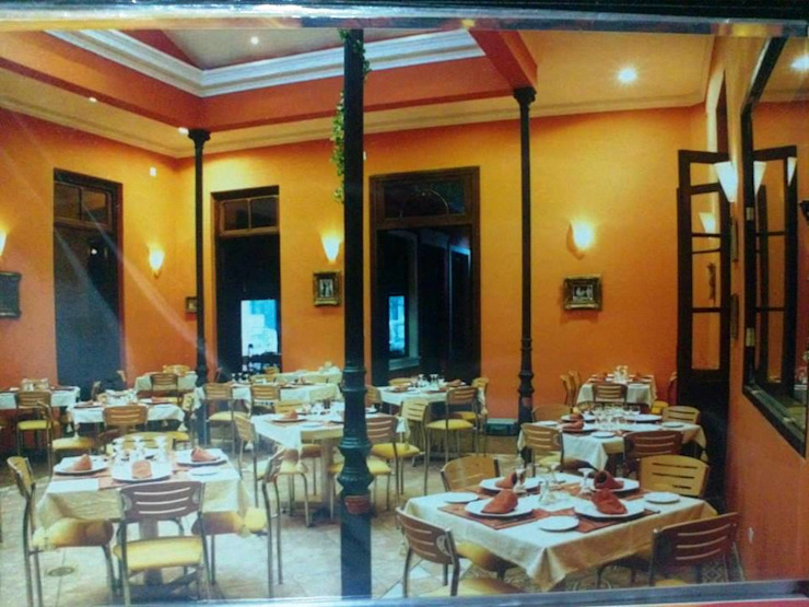 Restó Bar Gastronomía de estilo clásico de Valy Clásico Ladrillos