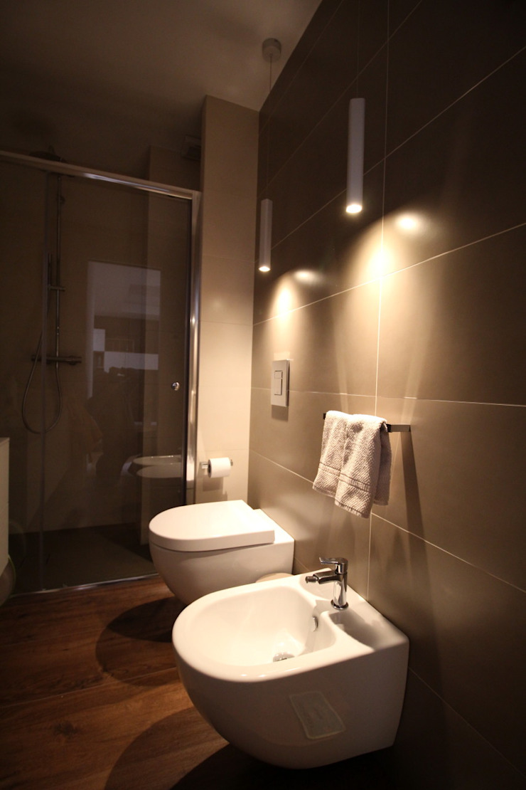 Giuseppe Rappa & Angelo M. Castiglione Minimalist style bathroom Ceramic Beige