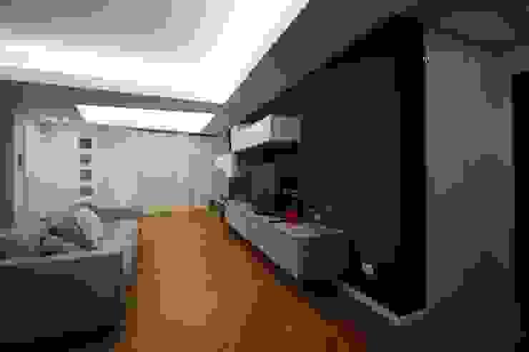 Giuseppe Rappa & Angelo M. Castiglione Living room Brown