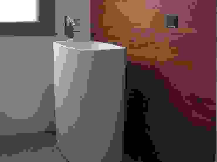 Phòng tắm phong cách hiện đại bởi Giuseppe Rappa & Angelo M. Castiglione Hiện đại