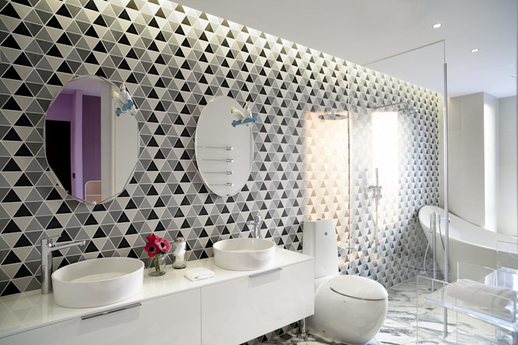 Master bathroom Sergio Mannino Studio Modern Bathroom Ceramic White