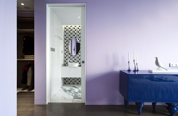 View of the bathroom from the master bedroom Sergio Mannino Studio Modern Bedroom Concrete Purple/Violet