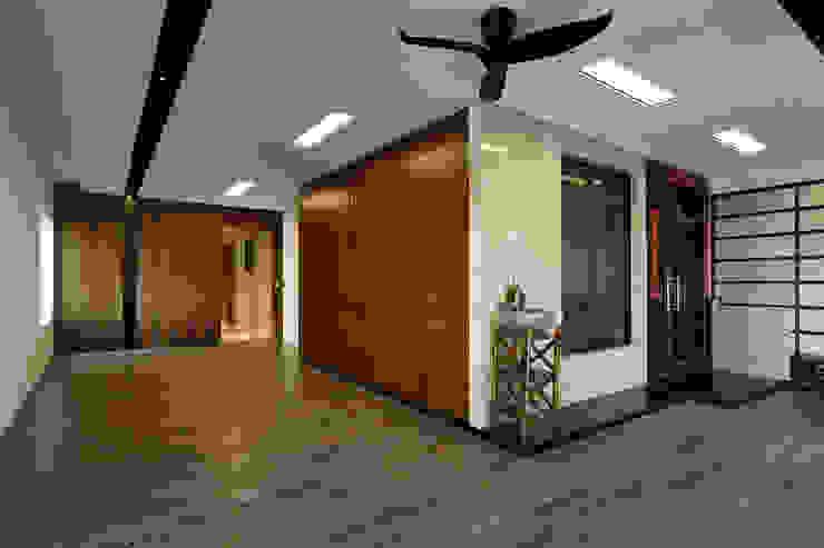 信美室內裝修 Rumah Modern Kayu Wood effect