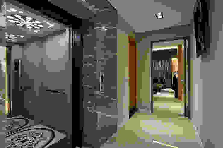 信美室內裝修 Pasillos, vestíbulos y escaleras modernos Mármol Gris