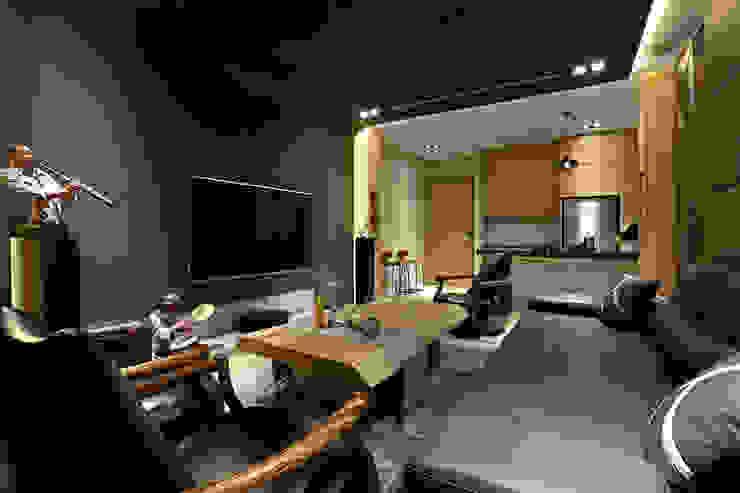 信美室內裝修 Salas multimedia de estilo moderno Madera Acabado en madera