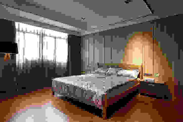 信美室內裝修 Dormitorios de estilo asiático Acabado en madera