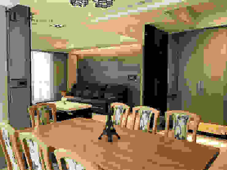 開放式餐廳與客廳 现代客厅設計點子、靈感 & 圖片 根據 宗霖建築設計工程 現代風
