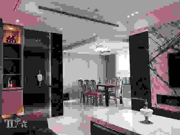 客廳往餐廳視角 根據 宗霖建築設計工程 現代風