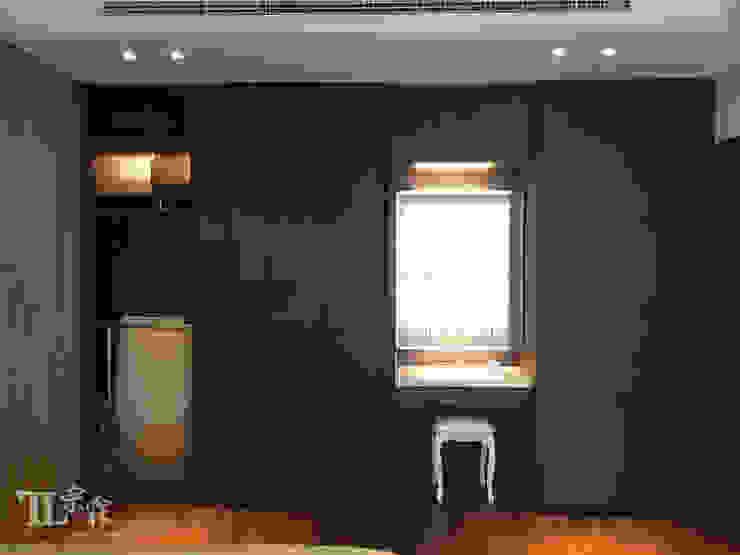 主臥衣櫃牆 根據 宗霖建築設計工程 現代風