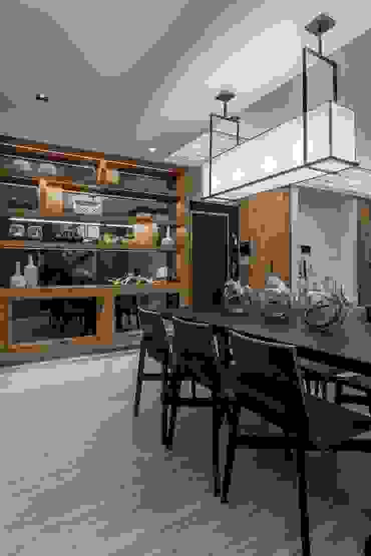 《聚‧日常》 现代客厅設計點子、靈感 & 圖片 根據 辰林設計實業有限公司 現代風 木頭 Wood effect