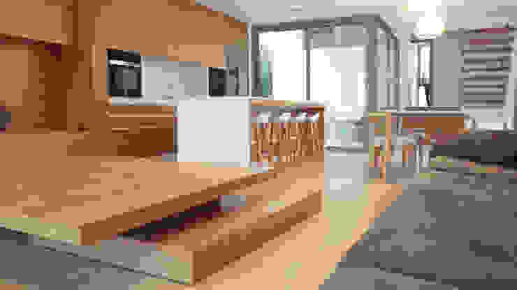 Cocinas de estilo moderno de iibbarquitectes Moderno
