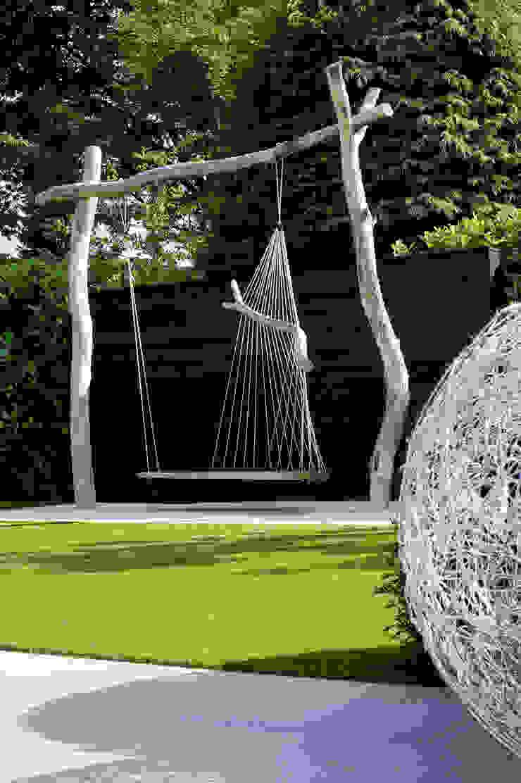 Jardines de estilo industrial de Heart for Gardens. Industrial Madera Acabado en madera