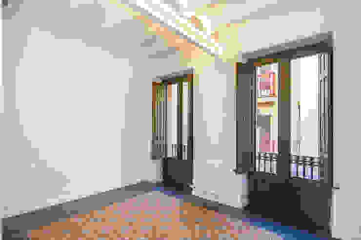 CASA FRANCESC D'ASSÍS Dormitorios de estilo mediterráneo de Lara Pujol | Interiorismo & Proyectos de diseño Mediterráneo
