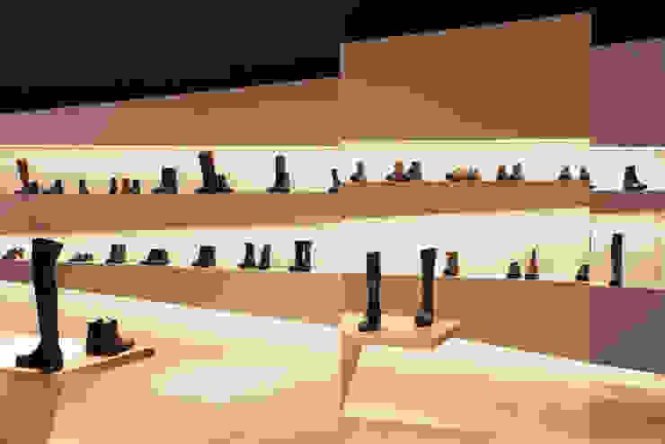 büro für interior design Minimalist commercial spaces Copper/Bronze/Brass Blue