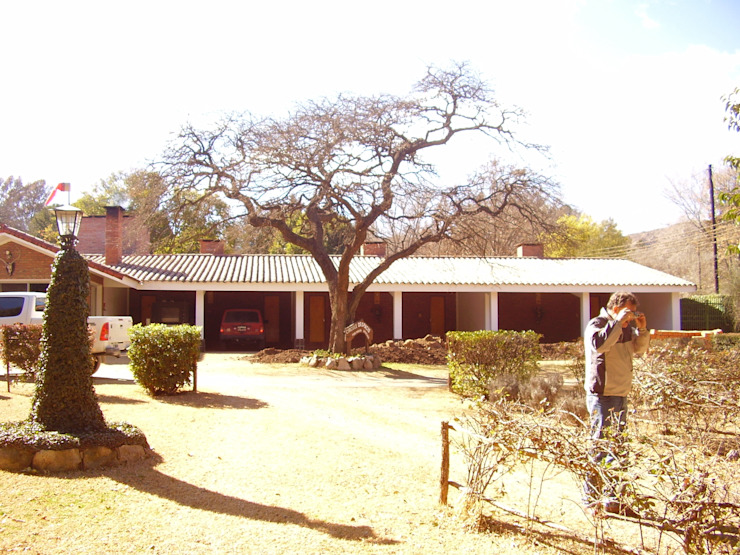 Posada de montaña Jardines rústicos de LINARES, Estudio de Arquitectura Rústico
