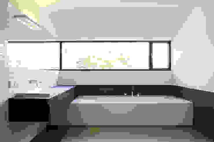 힐링 욕실공간 스칸디나비아 욕실 by 담음건축디자인주식회사 북유럽 대리석