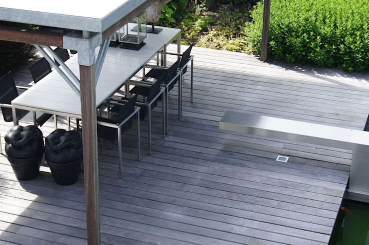 by Heart for Gardens. Modern Wood Wood effect
